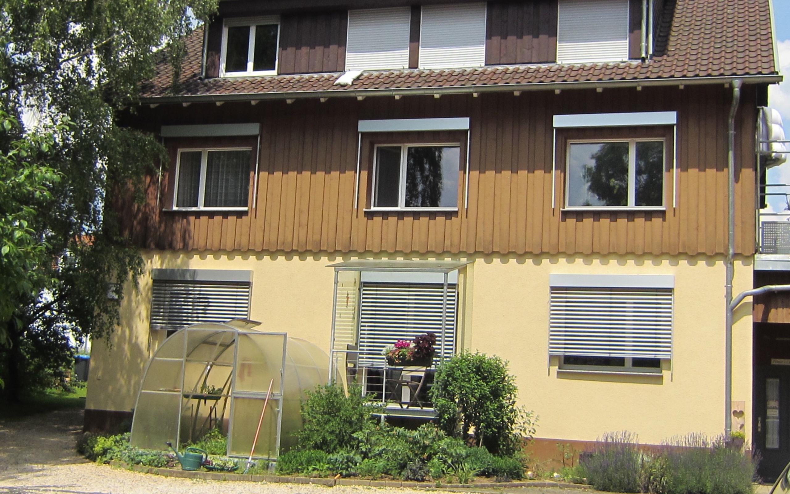 2-Zimmer Ferienwohnung mit Internet, TV, Schlafzimmer, Wohnzimmer ...