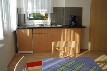 1 Zimmerwohnung Mit Duschewc Tv Küchenzeile Internet